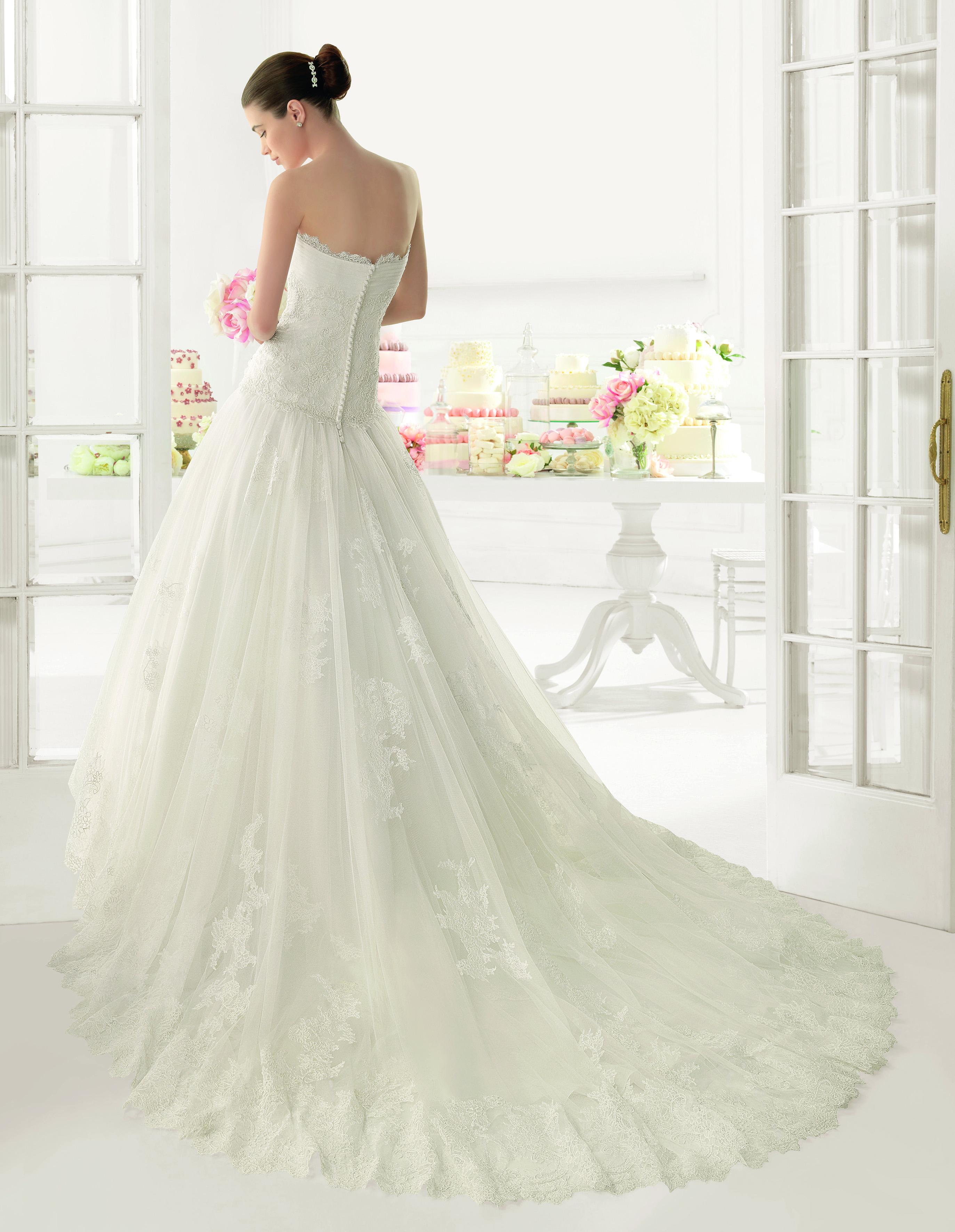 a49a5e371 Vestido de novia modelo Olot de Luna Novia