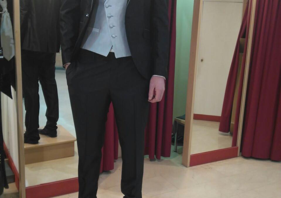 ¿Elegimos traje para el novio?
