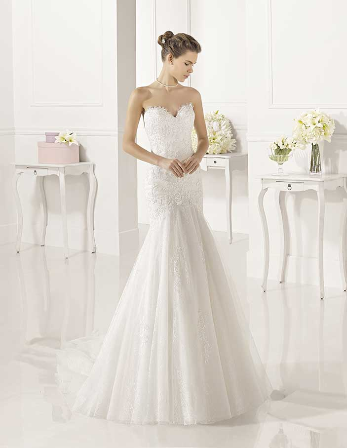 Novias-Adriana-Alier-modelo-Zadani-Dress-Bori-Zaragoza