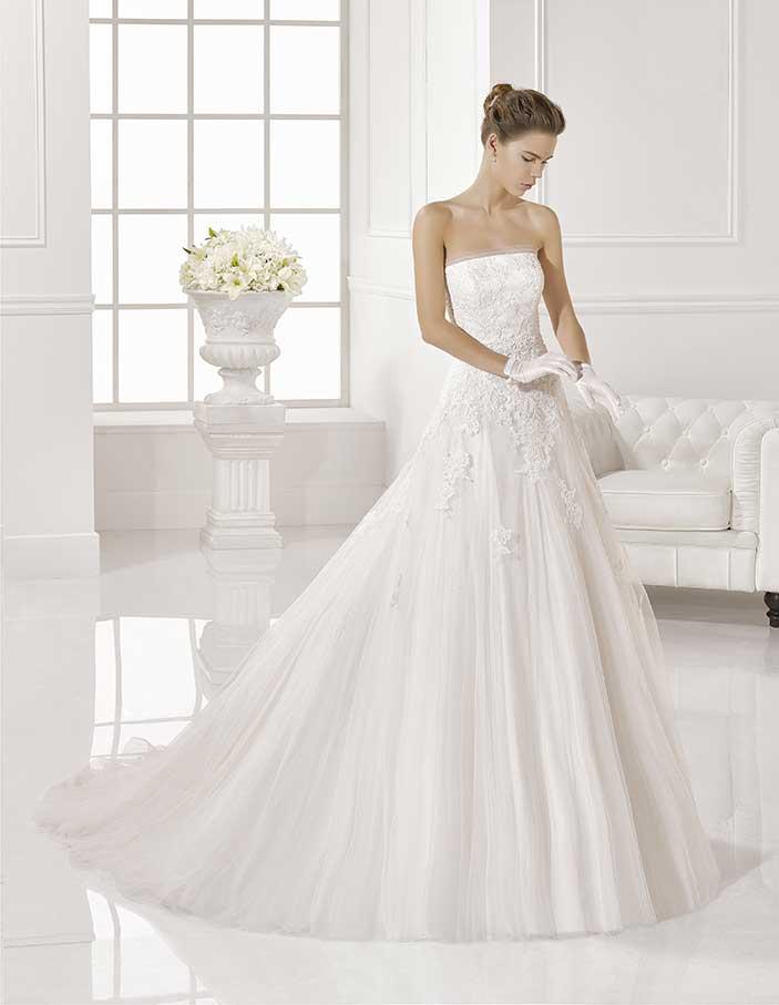 Novias-Adriana-Alier--modelo-Zaira-Dress-Bori-Zaragoza