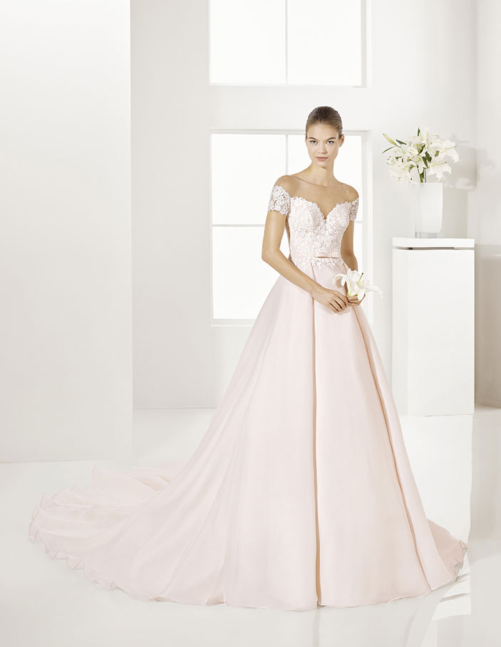 Trajes-de-novia-color-rosa-o-nude-Dress-Bori-Almanovia-GARY-1