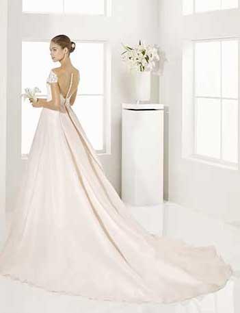Trajes-de-novia-color-rosa-o-nude-Dress-Bori-Almanovia-GARY-2