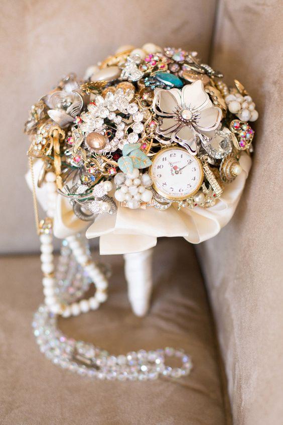 ramo de novia con broches-2