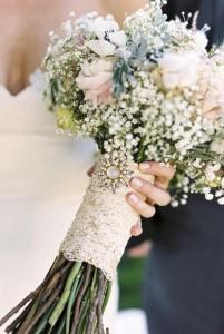 ramo de novia con broches