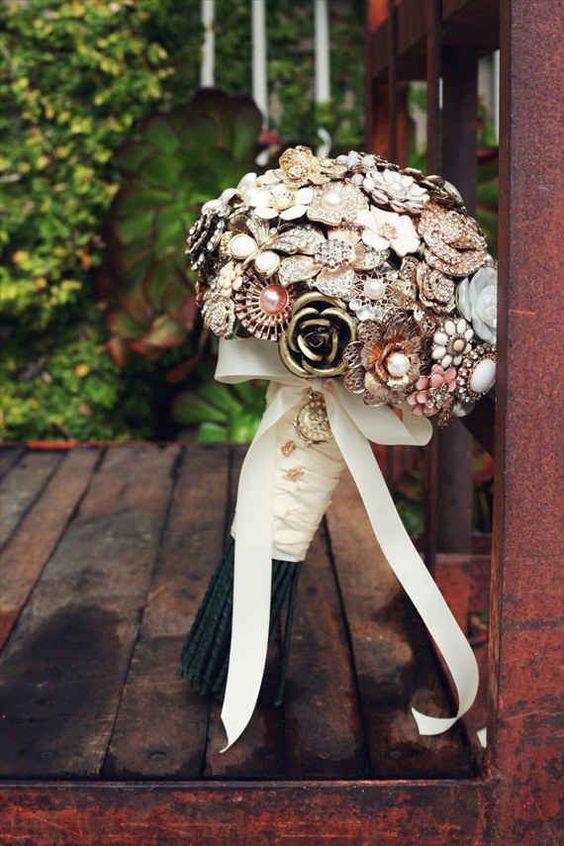 ramo de novia con broches-5