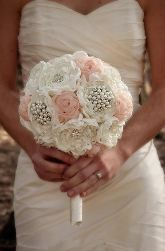 ramo de novia con perlas