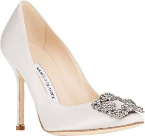 Zapatos de novia satinados con pedreria