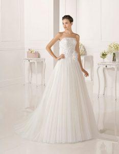 Trajes-de-novia-palabra-de-honor--Dress-Bori-modelo-ZEUS