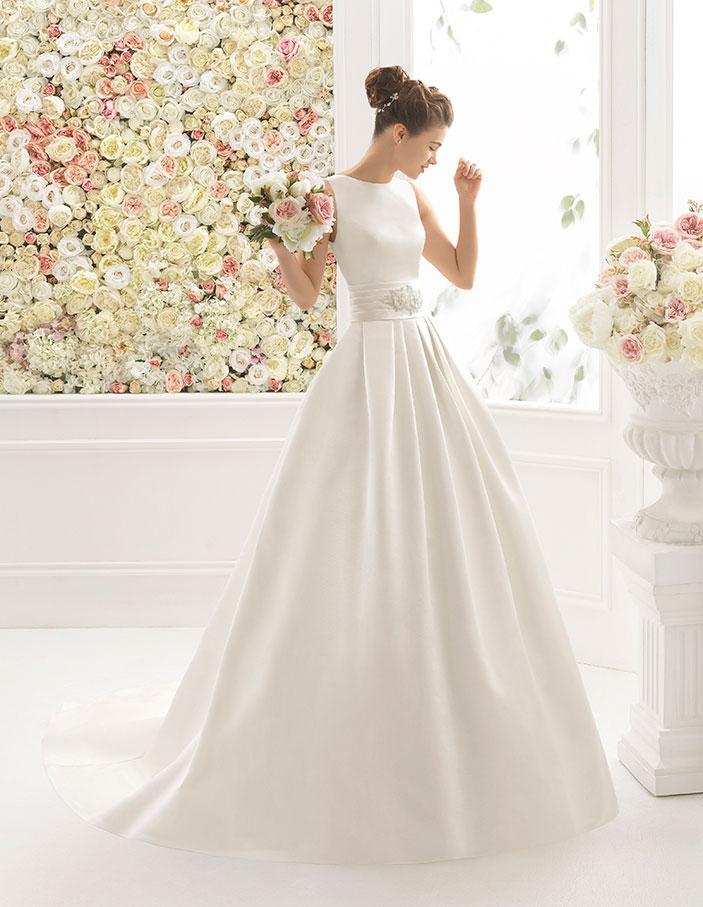 05d0fea9e trajes-de-novia-escote-barco-Dress-Bori CIELO