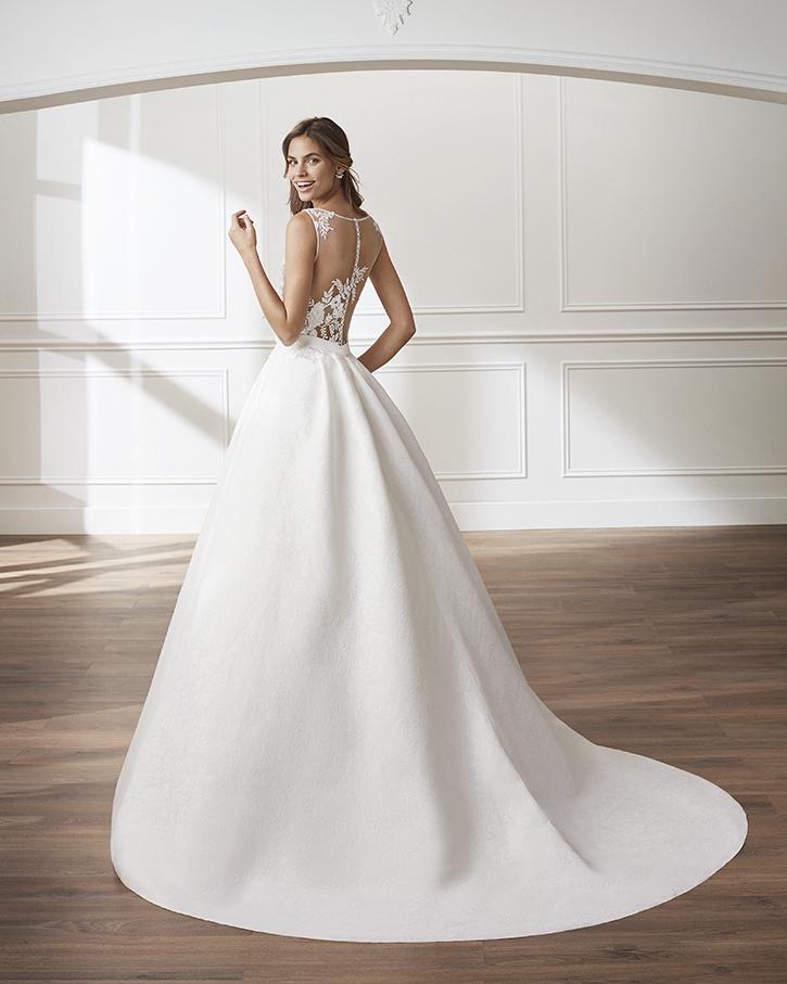 882ff1358 vestidos-novia-zaragoza-madrid-lunanovias (1). Anterior ...