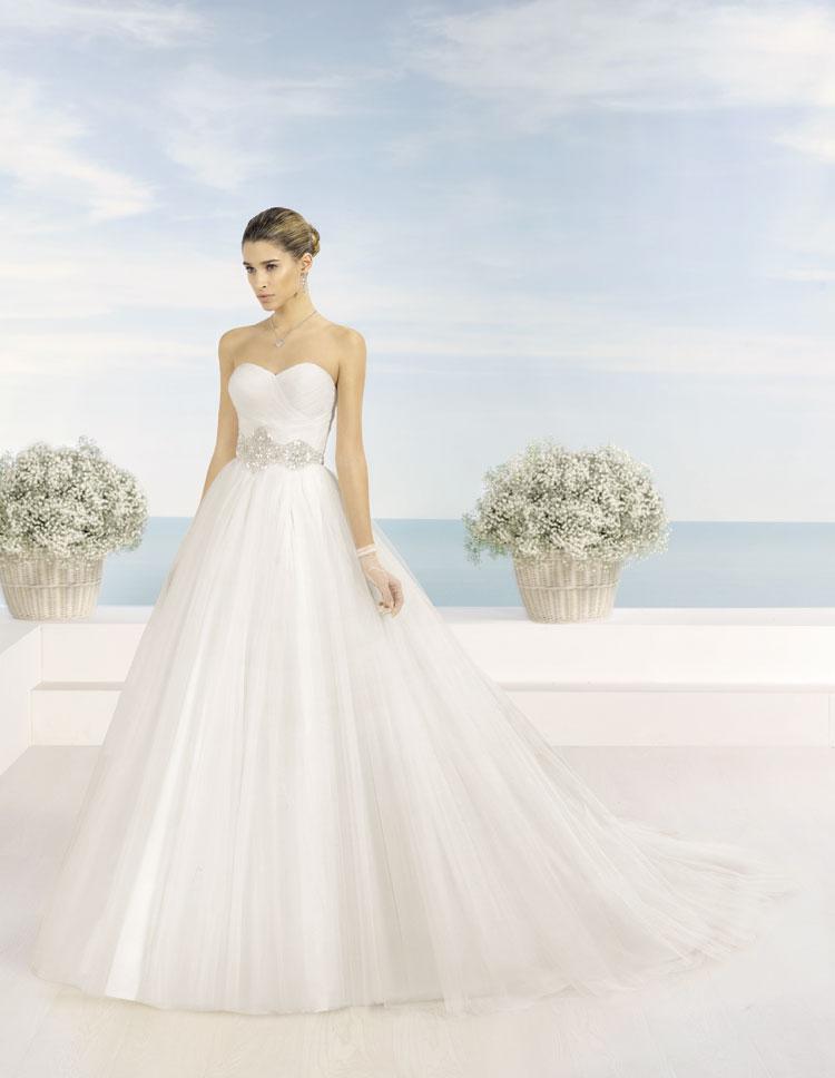 Vestidos de novia Almanovia.Línea Princesa-Dress Bori-mod Tamesis