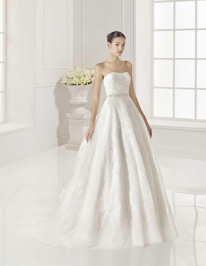 Novias-Adriana-Alier--modelo-Zamur-Dress-Bori-Zaragoza