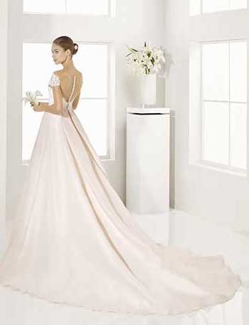 Trajes-de-novia-color-rosa-o-nude-Dress-Bori-Almanovia-GARY-2