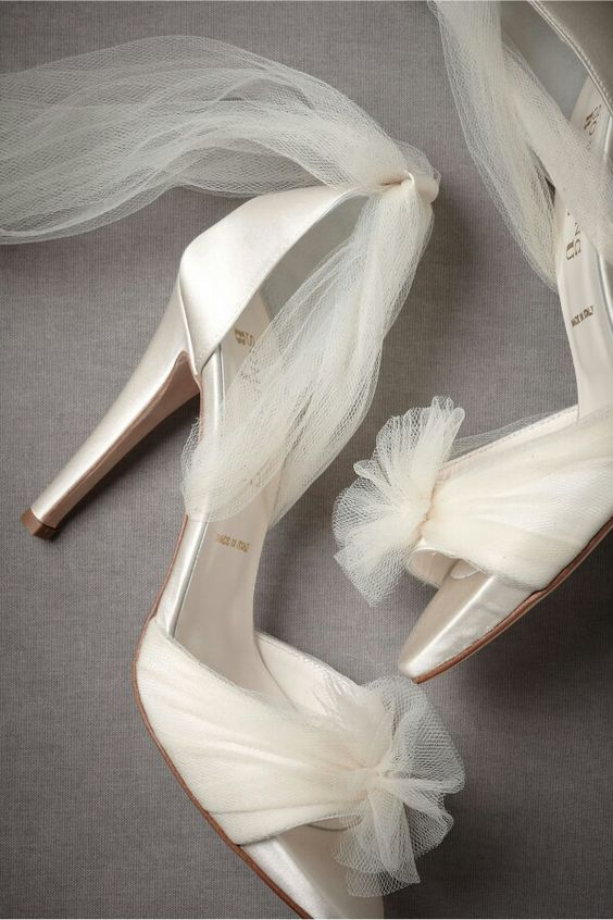 zapatos de novia con tul