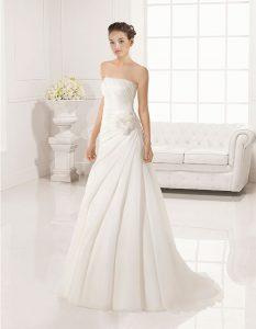 Trajes-de-novia-palabra-de-honor--Dress-Bori-modelo-JET
