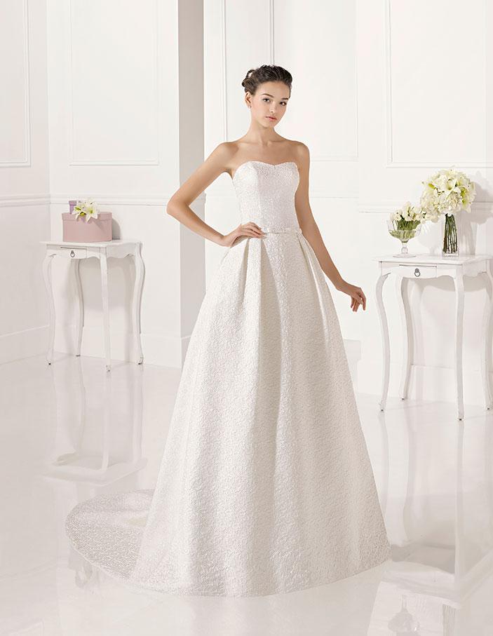 Trajes-de-novia-palabra-de-honor--Dress-Bori-modelo-ZULEMA