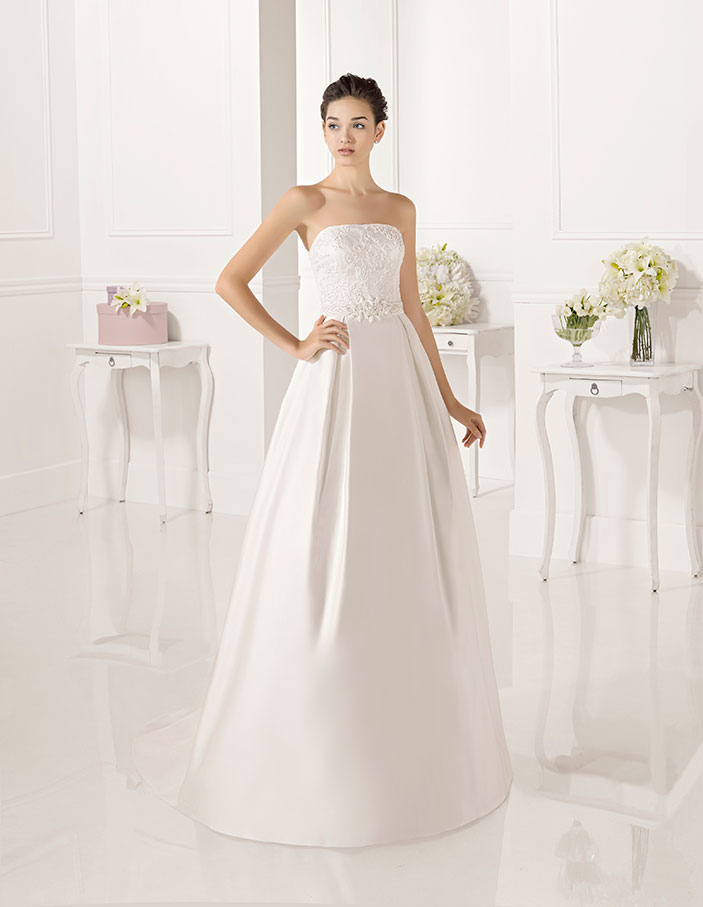 Trajes-de-novia-palabra-de-honor--Dress-Bori-modelo-ZUY